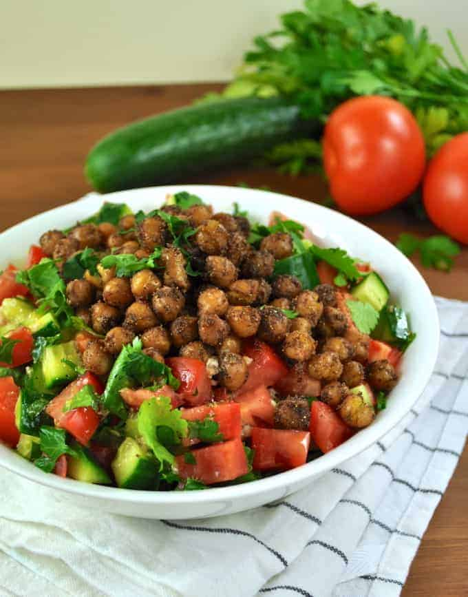 Middle Eastern Spiced Chickpea Salad - just over 10 min to make ...
