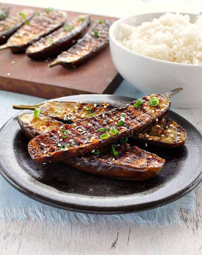 Melt-in-your-mouth eggplant with an incredible caramelised miso glazed. So simple and fast to make. #grilling #BBQ #barbecue #vegan #vegetarian