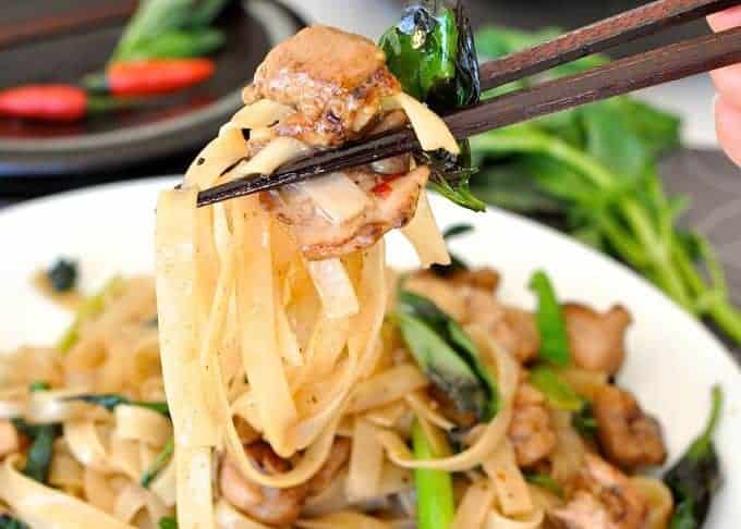 Spicy Thai Noodles (Pad Me Kao), on the table in 15 minutes!