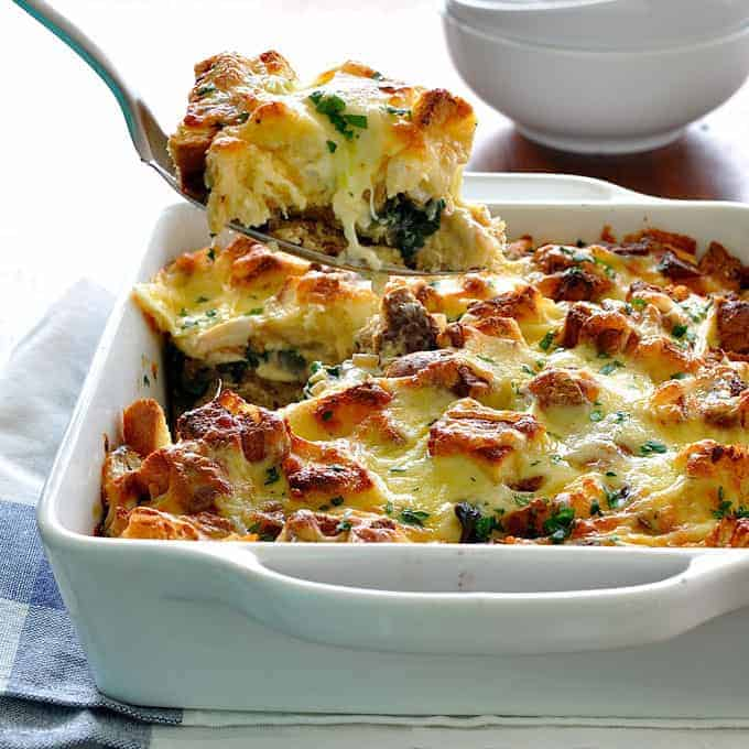 chicken and spinach bread bake strata - Strata Egg Dish