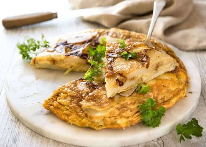 5 Easy Spanish Tapas recipes - Spanish Omelette www.recipetineats.com