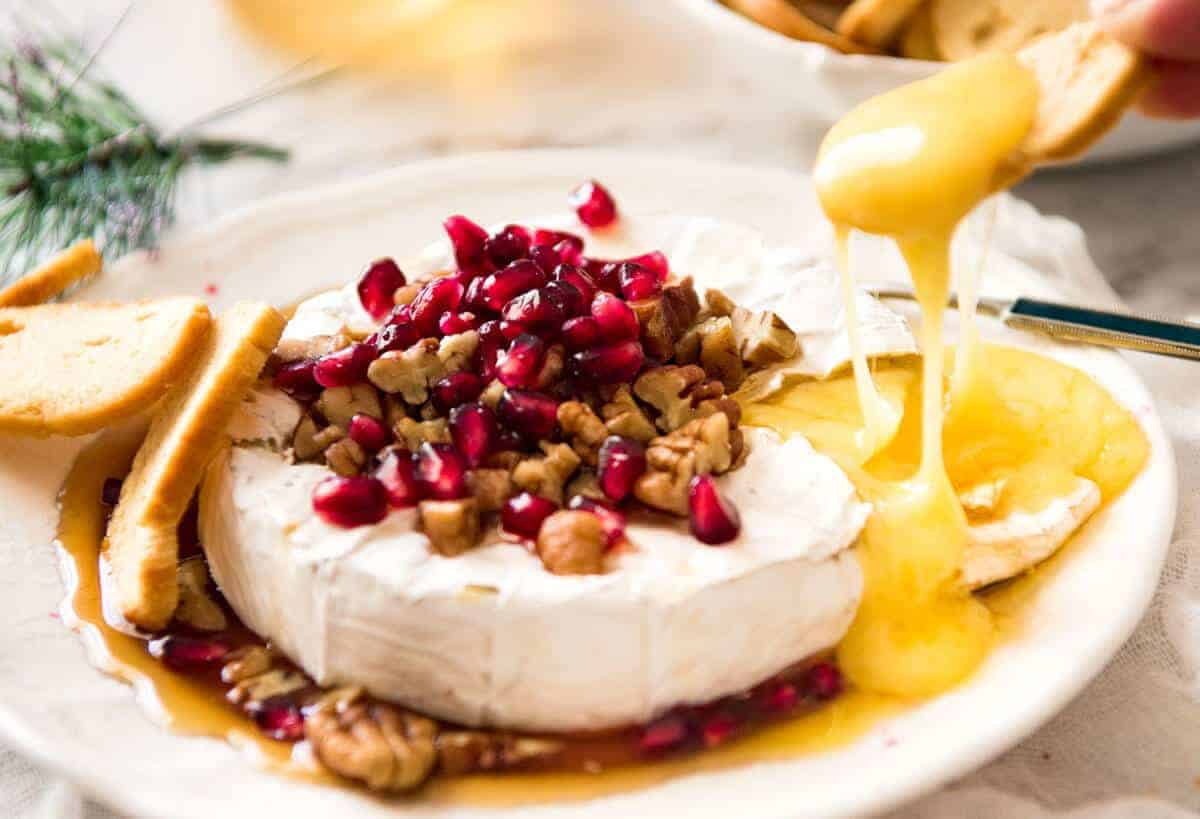 3 Minute Melty Festive Brie - Just microwave for 1 minute and you have an almost-instant baked brie appetizer! www.recipetineats.com