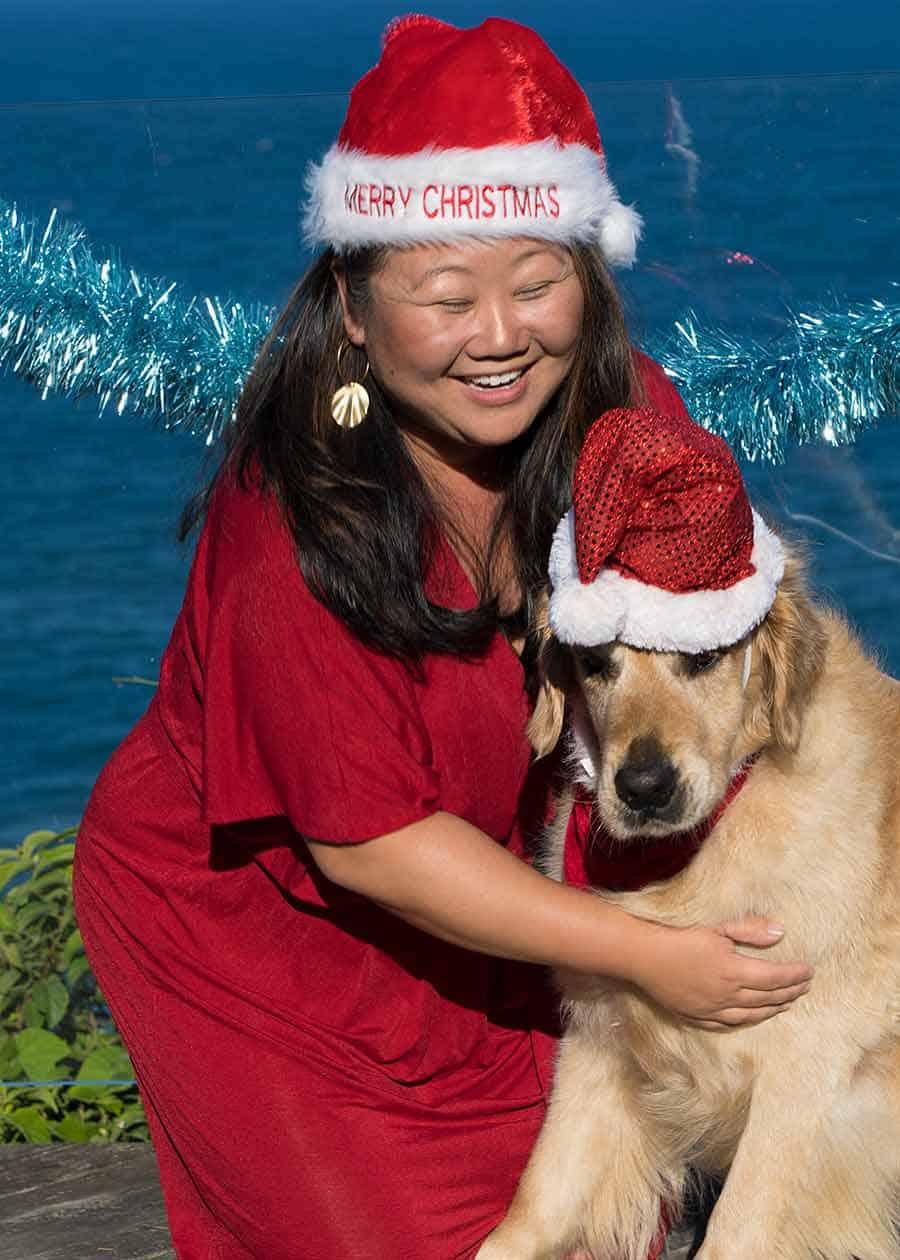 Nagi and Dozer the golden retriever dog_Christmas 2018