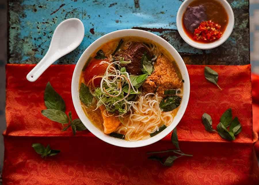 Bún riêu - Vietnamese Crab noodle soup