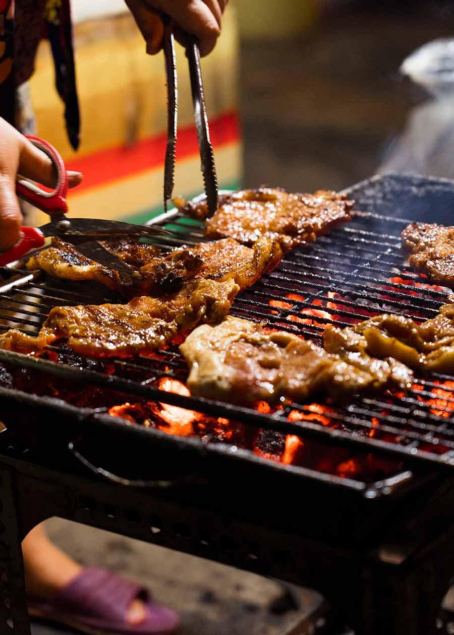 Street Food Ghetto grilling pork chops